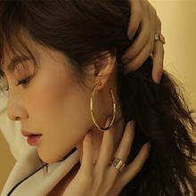 Đơn giản thời trang màu vàng mạ Bạc hình học bông tai vòng tròn to cho phụ nữ thời trang lớn rỗng thả bông tai trang sức(China)
