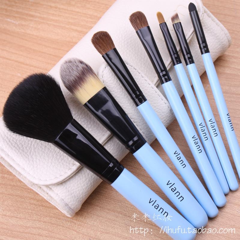 Минимальный набор косметики для макияжа