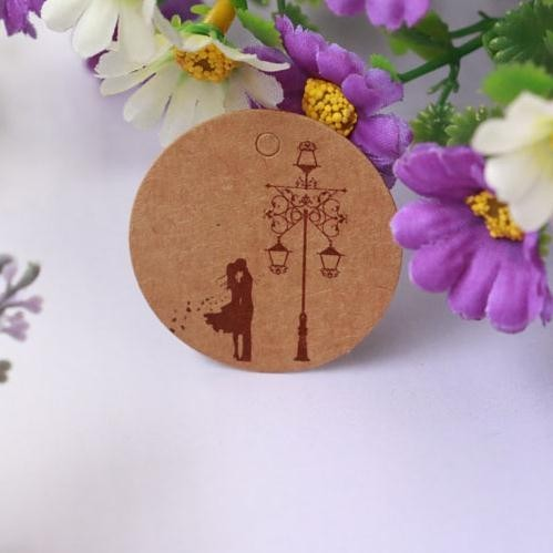 New Arrival 100pcs/lot Brown Kraft Paper Tags Couple Design Round Label Wedding Gift Decorating Tag 3.5*3.5cm(China (Mainland))