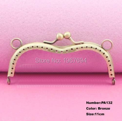 Free Shipping PA132 10pcs Blank Purse Frame Hanger M 11cm Bronze Metal Clasps Purses Accessories Handles Handbags Diy Bag Parts(China (Mainland))