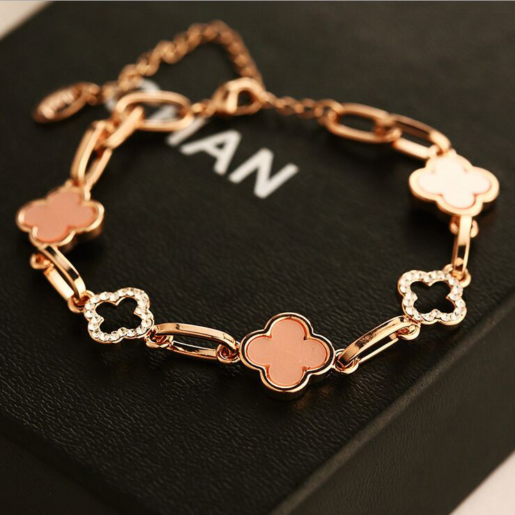 Clover Charm Bracelets Retro Flower Bracelet & Bangle For Women Famous Brand 18k Gold Plated Crystal Jewelry Girls Accessories(China (Mainland))