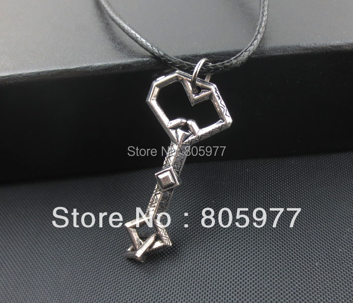 Free shipping!Wholesale lots The Hobbit An Unexpected Journey Thorins Key to Erebor Pendant<br><br>Aliexpress