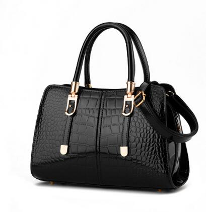 Free shipping to buy 2015 new tide crocodile grain euramerican fashion worn ms single shoulder bag portable oblique cross bag(China (Mainland))