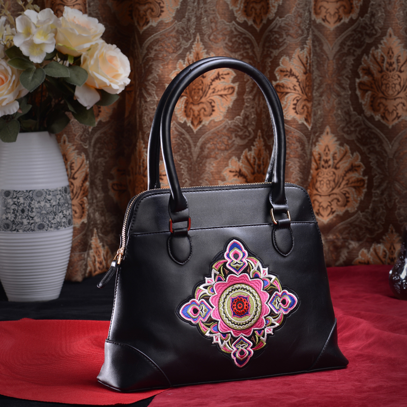2015 New Arravial Owner Designer Brand Elegant Women Saffiano Bags Vintage Pretty Fasthion Female Tote Bags Free Shipping(China (Mainland))