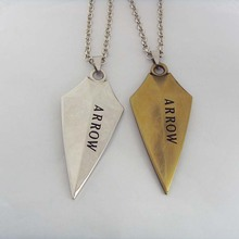 Hot movie 3D DC Comic Green Arrow Logo Oliver Queen Hero TV Pendant Necklace keychain fashion jewelry for fans souvenirs