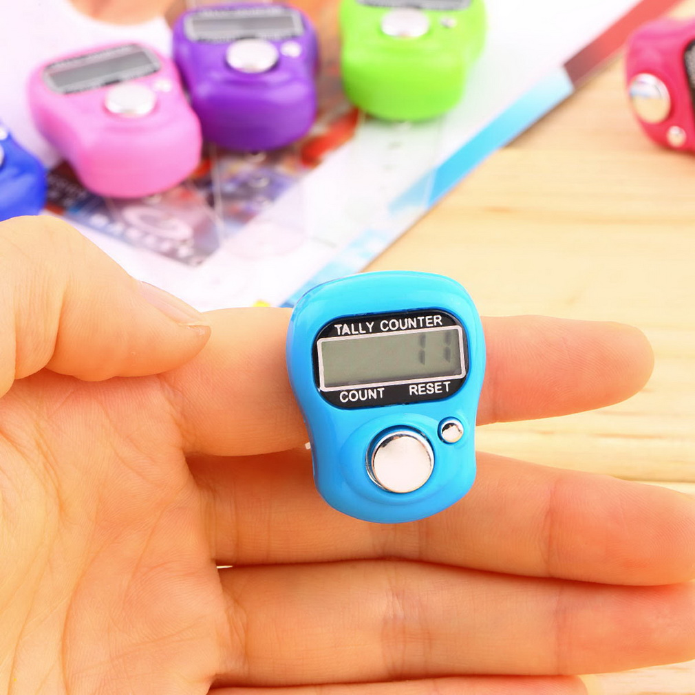 3pcs Plastic Compact Mini Stitch Marker And Row Finger Counter LCD Electronic Digital Tally Counter Random for Any Knitter(China (Mainland))