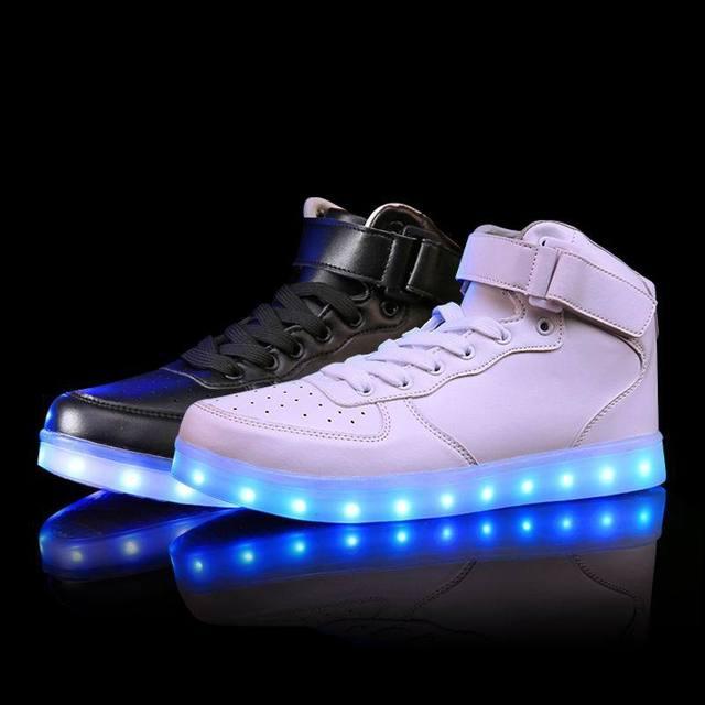Светодиодные светящиеся кроссовки девушки парни случайные дети shoes high светящийся с зарядки загорается моделирование подошва для детей неон корзина