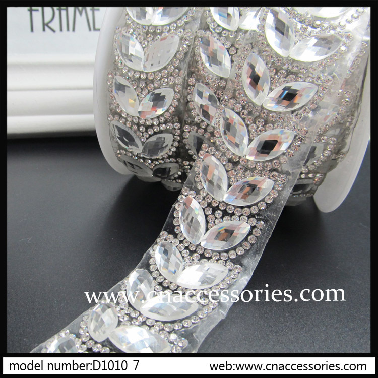 crystal flower rhinestone wedding trimming,1 yard/lot,bridal clear decorative hotfix banding,ironed on garment tape(China (Mainland))