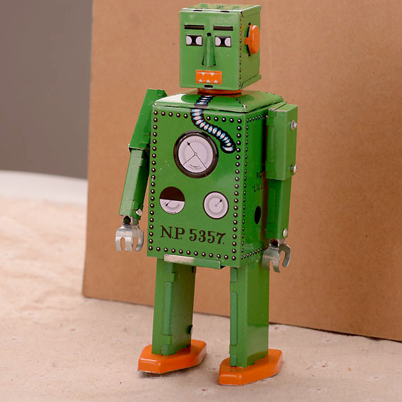 Collection Tinwork Toys Green Robot Clockwork Toys Retro Handmade Wind Up Toys Showcase Decoration Craft(China (Mainland))