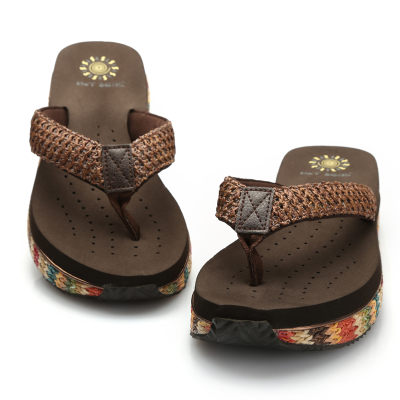 WOMEN S DESIGNER SANDALS ON SALE. Get ready for warm weather with this selection of cute, versatile women's sandals on sale. Go for a stroll along the boardwalk in comfortable, down-to-earth flats by Gentle Souls, or make a statement with Delman's standout modern styles.