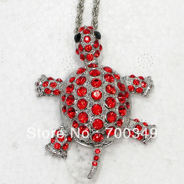 Wholesale Red Crystal Rhinestone Sea Turtle Tortoise Can Swing Pendant Necklaces Sweater Chain Jewelry F011 C(China (Mainland))
