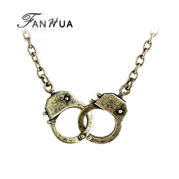 Vintage Style Bronze Color Buckle Punk Lock Pendant Necklace Shorts Women Collana Vintage