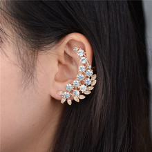 Punk Gold Plated Leaf Shape Crystal Clip Earrings Rhinestone Ear Cuff Statement Earrings for Women Accessories Jewelry