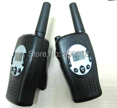 new Crank hand dynamo walkie talkie PTT wind radio pair FRS VOX cb radios UHF w/ 99 private code led flashlight +charger
