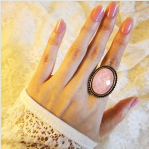 2016 New vintage ring oval cutout flower ring finger accessories, vintage cutout flower ring pink(China (Mainland))