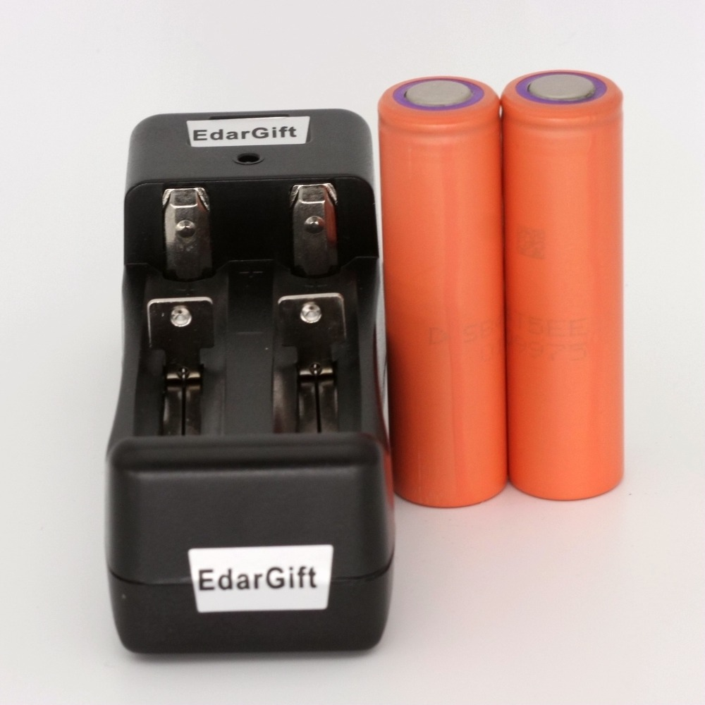 2PCS New Original 18650 UR18650ZT Li-ion rechargeable battery 2800mAh 3.7V For Sanyo +1PCS Charger(China (Mainland))