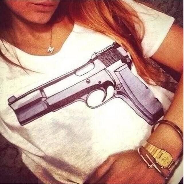 2015 моды бренд Футболки женские, пистолет
