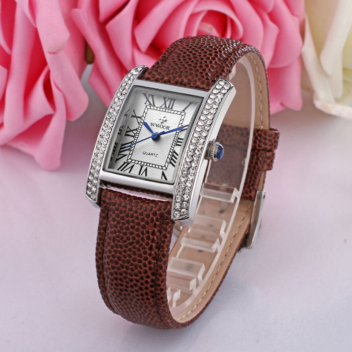 WWOOR 2016 New Brand Fashion Women Watches Quartz Watch Diamonds Dress Ladies Casual Crystal Sports Wristwatch