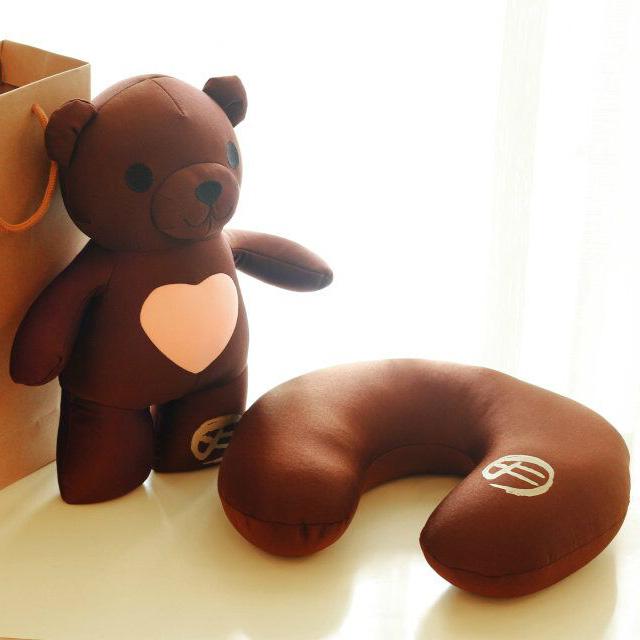Huang Xiaotong, Ming multifunctional bear cubs love cherish travel U type pillow neck protecting pillow bag mail(China (Mainland))