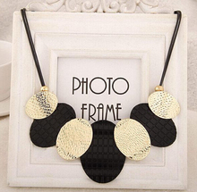 2015 New Coming Women's Chokers Necklace Special Gold And Black Metal Sheets Pendant Rope Necklace Party Accessory(China (Mainland))
