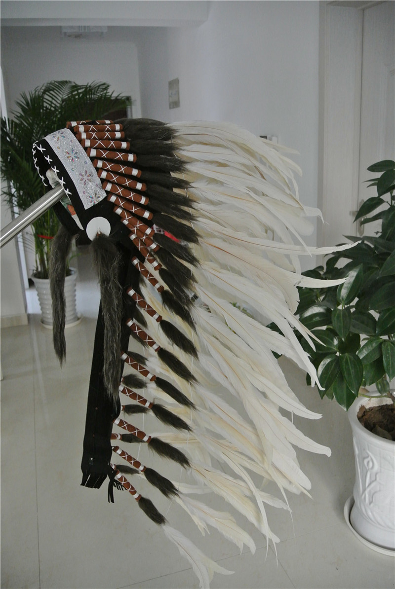 28 inch off white Chief Indian feather Headdress Native American War Bonnet hand made indian headdress for halloween decor(China (Mainland))
