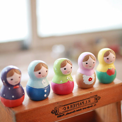 5pcs/Lot New Gifts 5*3.5cm Russian Dolls Russian Toys For Girls Russia Christmas Gifts Russian doll ornaments resin craft gifts(China (Mainland))