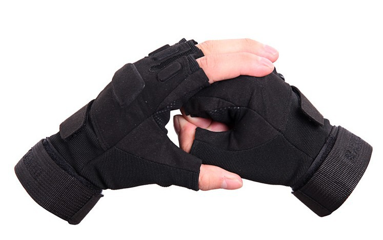 Outdoor Army Gloves Wholesale Black military tactical gloves half finger gloves slip resistant gloves climbing gym workout(China (Mainland))