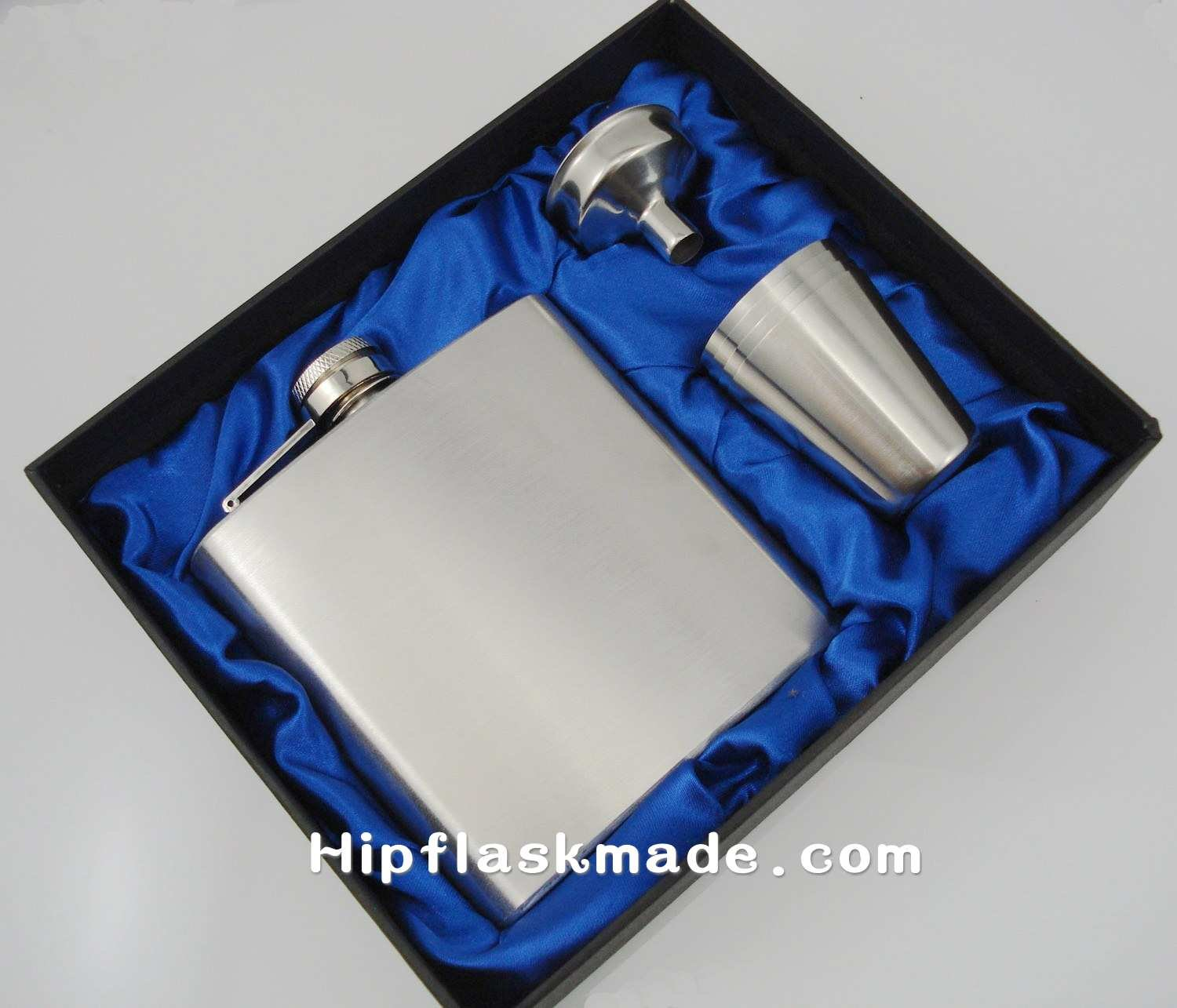 wholesale 6oz flask with 4 cups and one funnel in gift box ,gift set silk inner lined ,father day's gift(China (Mainland))