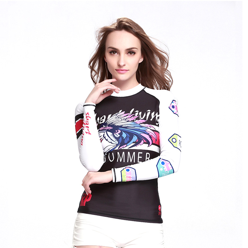 Long Sleeve Swimming Surfing Suit for Woman Sunscreen Rash Guard Beach Soft Patchword Beachwear Slim Diving Suit(China (Mainland))