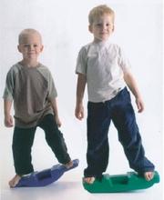Free shipping Child sense training equipment dribbled balancing board rock children plastic seesaw balancing(China (Mainland))