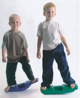 Free shipping Child sense training equipment dribbled balancing board rock children plastic seesaw balancing sports toy(China (Mainland))