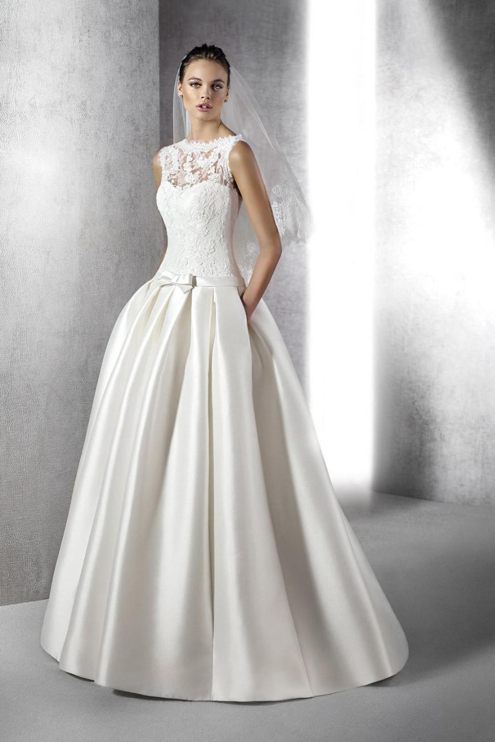 Beautiful Large Size Wedding Dress For Promotional With European Dresses