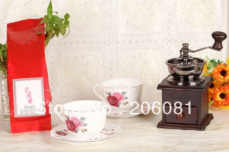 Excellent christmast fit coffee maker set ,2pcs beatiful coffee cup,2pcs plate,1pc grinder and 1pc french press pot ,coffee bean(China (Mainland))