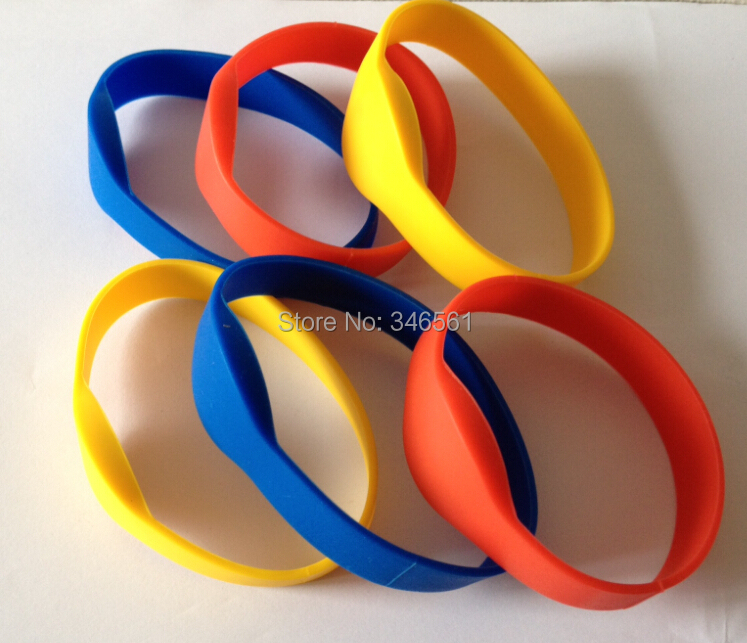 (6 pcs/lot) Waterproof 125Khz RFID Bracelet Silicone Wristband EM4100 Proximity Smart Card Watch Type for Access Control(China (Mainland))