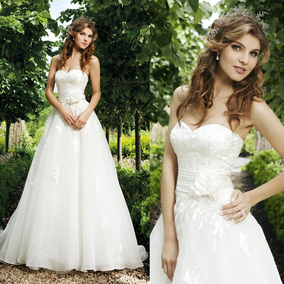 Top Luxury Wedding Dress : Tube top luxury big train wedding dress lace slim waist