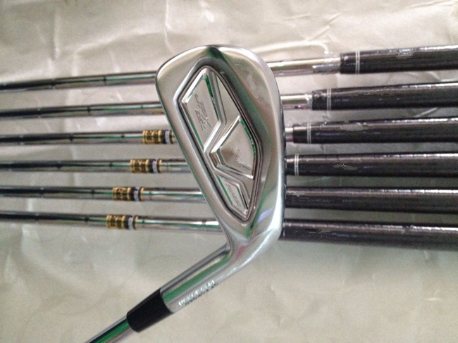 8PCS Golf Clubs Iron Set JPX850 Forged Irons Golf Clubs JPX850 4-9PGw Regular/Stiff Flex Steel Shaft Come With Head Cover(China (Mainland))