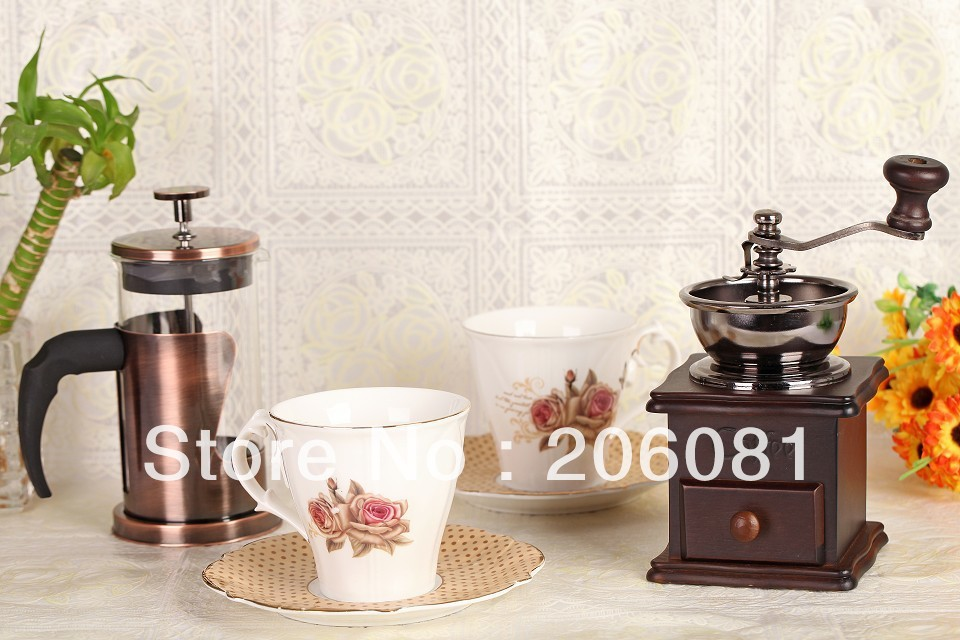 Excellent christmast fit coffee maker set ,2pcs beatiful coffee cup,2pcs plate,1pc grinder and 1pc french press pot(China (Mainland))