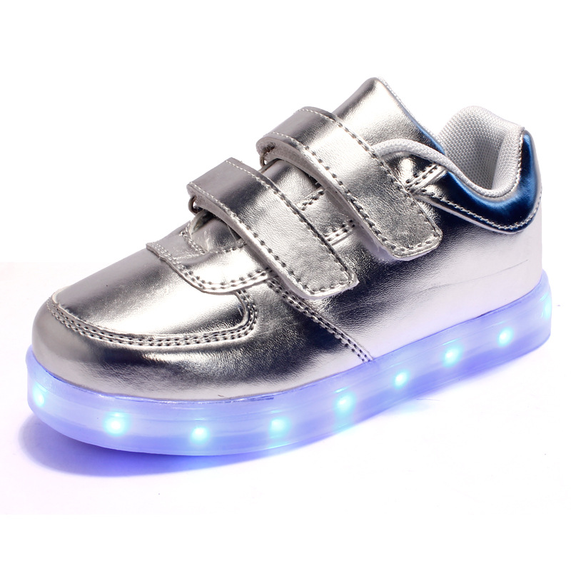 2016 New Fashion Kids Sneakers USB Charging Luminous Lighted LED Light Children Shoes Casual Flat Silver White Girls Boys Shoes<br><br>Aliexpress