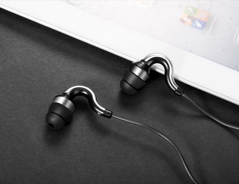 Sport Music Earphones with Wired Control & Microphone High Quality In-Ear Earbuds And Clear Bass Earpieces for Xiaomi Phone PC