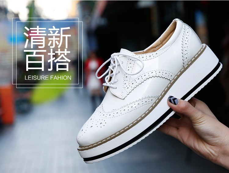 Women Platform Oxfords Brogue Flats Shoes Patent Leather Lace Up Pointed Toe Luxury Brand Beige Red Black Pink Creepers