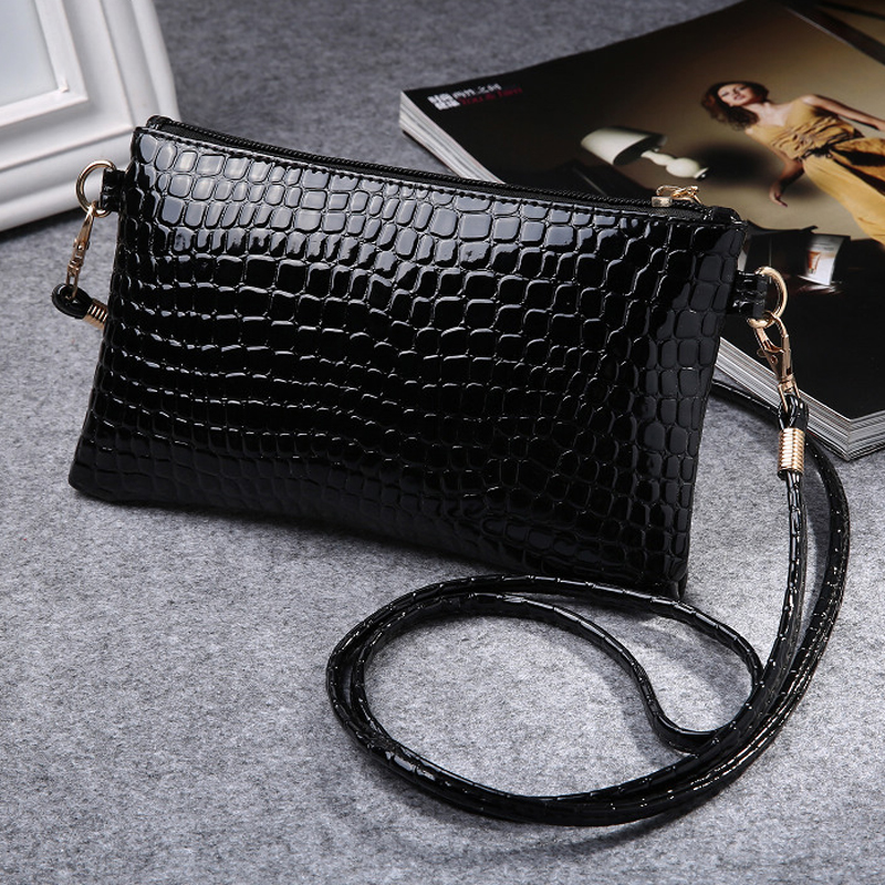 2017 New PU Leather Women Messenger Bags Tassel Crossbody Bag Female Fashion Shoulder Bags for women Clutch Small Handbags(China (Mainland))