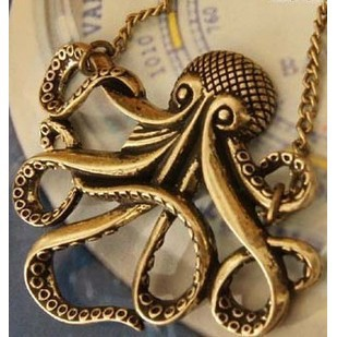 NK113 Wholesales Pirates of the Caribbean Octopus Man Retro Long Necklace Jewelry