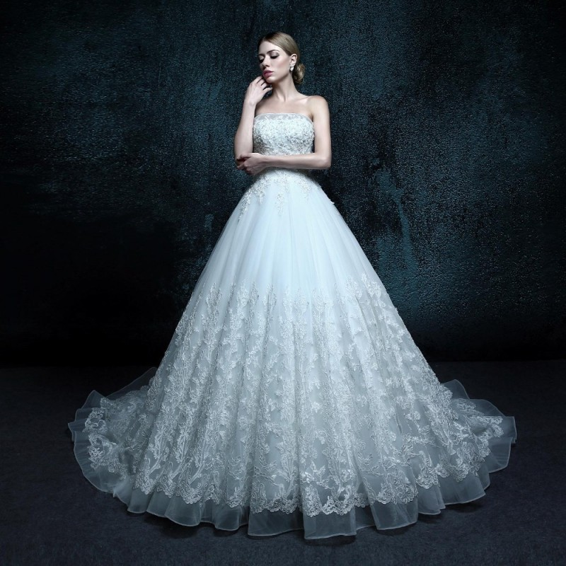 New arrival fashionable strapless vintage lace appliques for Strapless wedding dresses with long trains