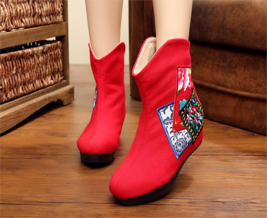 Здесь продается  2015 Winter New Warm Women Boots Flower Embroidery Old Peking Flat Heel Martins Boots Classic Design Chinese Traditional Boots  Обувь
