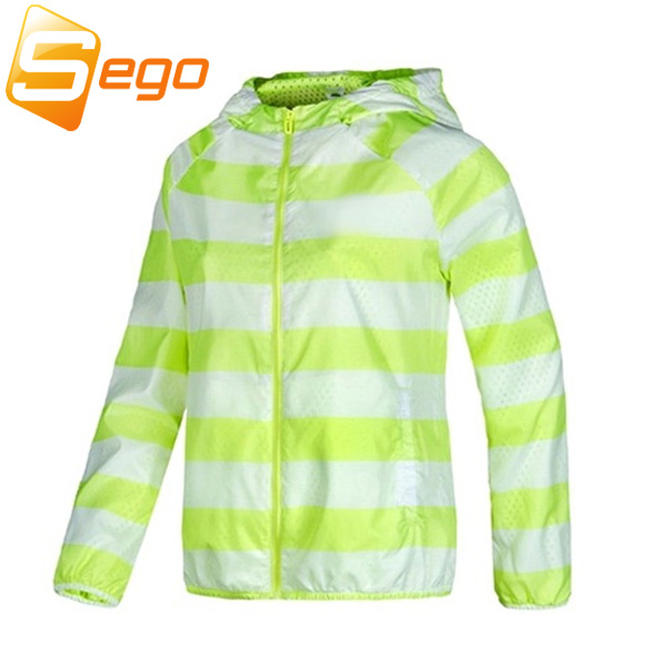 Free shipping New Spring Thin Women Jackets Windbreaker Breathable Climbing Outdoor Casual Jackets Sports Coat(China (Mainland))