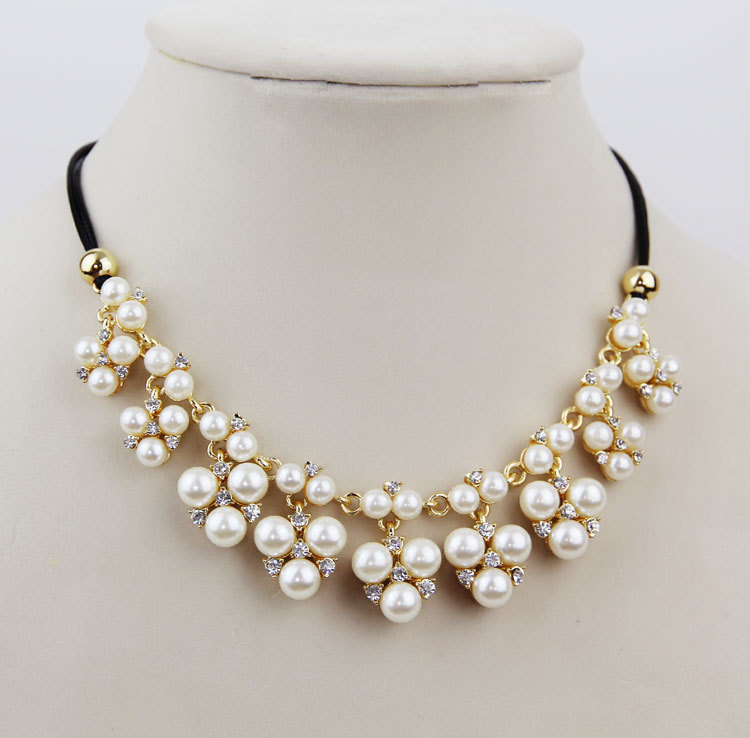 Simulated pearl necklace Wedding Accessory Bridal Jewelry ...