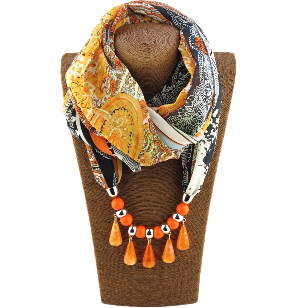 New Arrival Polyester Winter Warmth Scarf with Dark Grain Beads Women Pendant Scarves Statement Necklace for Women Collier