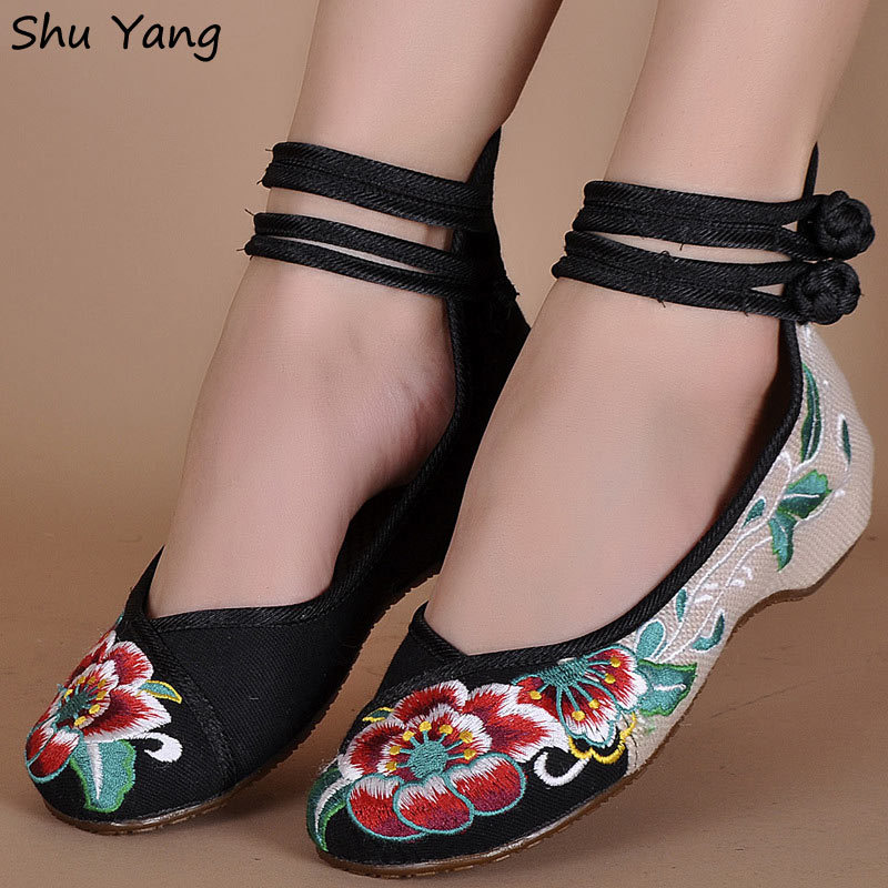 29 Colors Fashion Women's Shoes Old Peking Mary Jane Flat Heel Denim Flats with Embroidery Soft Sole Casual Shoes Plus Size 40(China (Mainland))