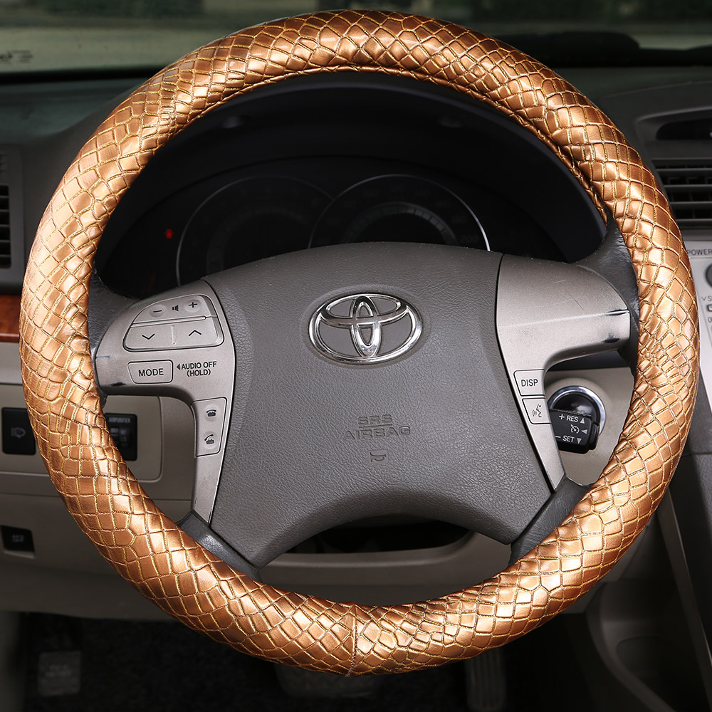 Car steering wheel cover leather sets Italy imported snakeskin pattern pure leather steering wheel cover(China (Mainland))