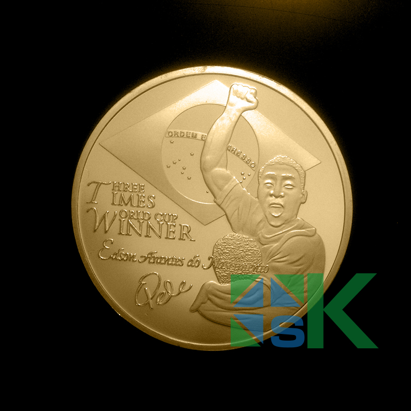 50pcs/lot free shipping Pele The King of football player Edson Coin Gold Plated 40x3mm Coin(China (Mainland))